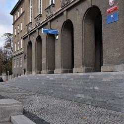 Remont schodów przy Komendzie Wojewódzkiej w Opolu